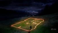 Meredith disegna con le candele il perimetro della casa che vuole costruire con Derek